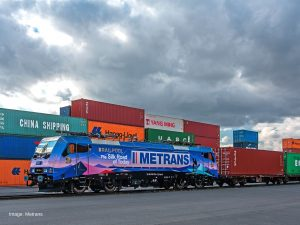 Zusammenarbeit zwischen METRANS und RAILPOOL - Zug - Lokomotive